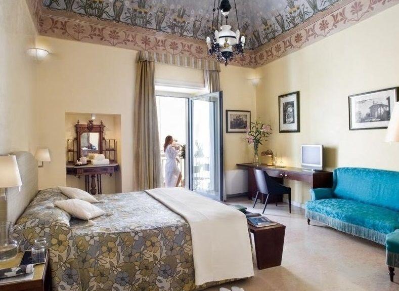 豪華貴族の館で初夏の海を満喫!イタリア最東端オトラント「Palazzo Papaleo」
