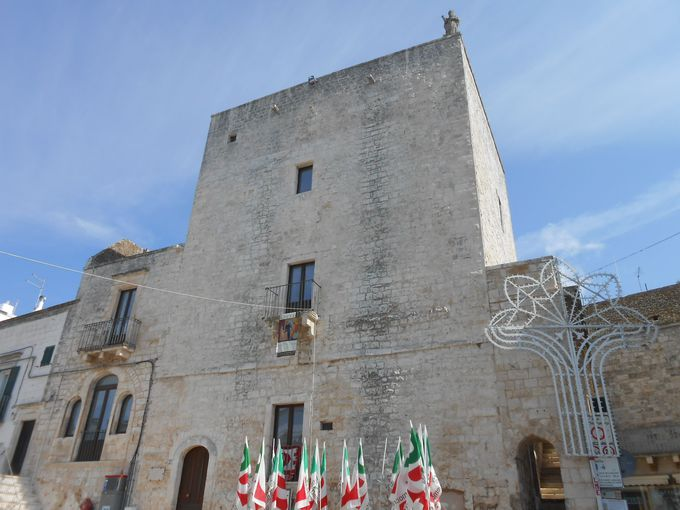 旧市街にある広場と塔、教会