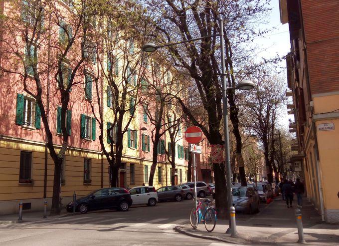モデナの山から大都市ボローニャへ