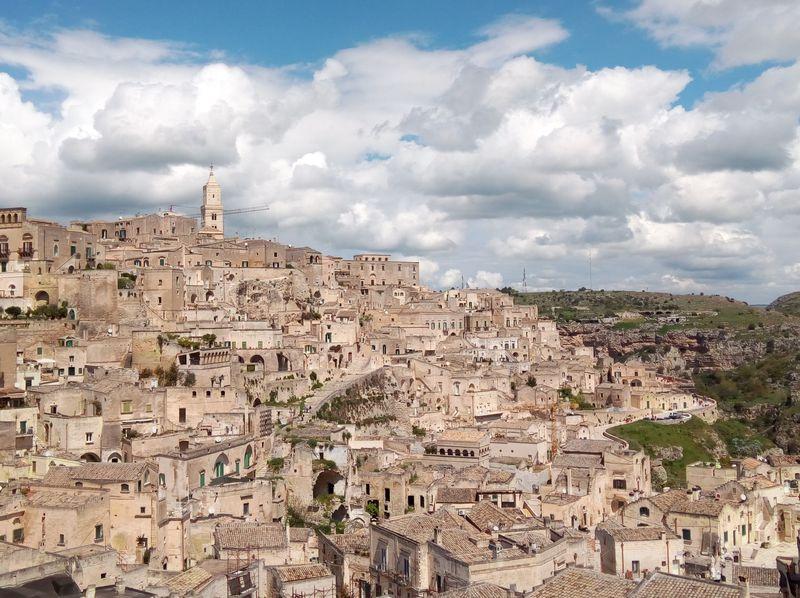 2019年の欧州文化首都!「マテーラ」南イタリアの洞窟住居