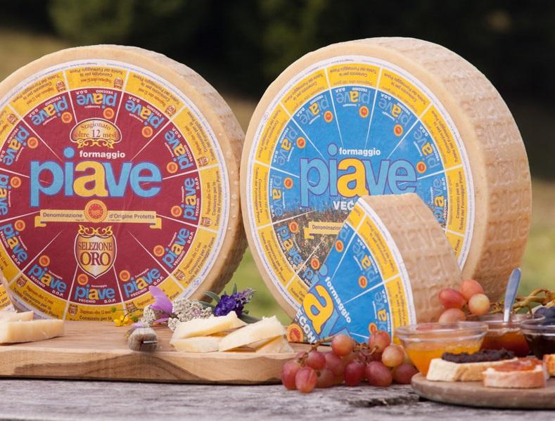 世界遺産ドロミテの山のチーズ