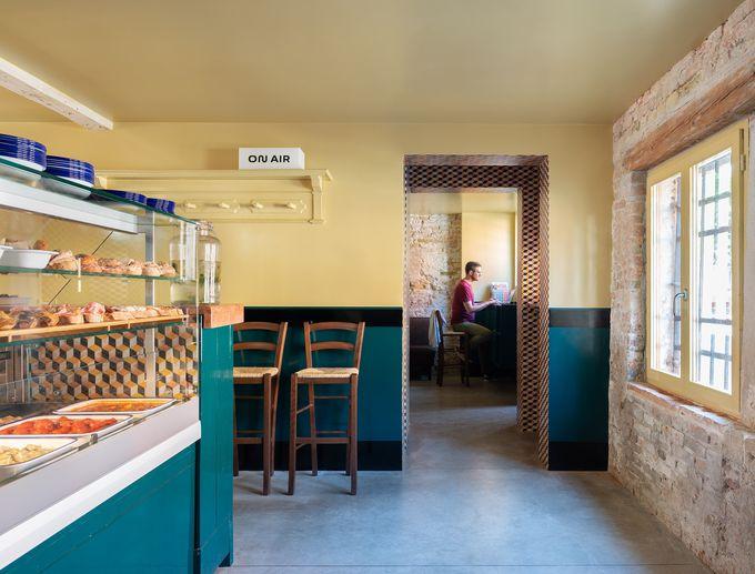 NEWオープンのバーカロ&レストラン