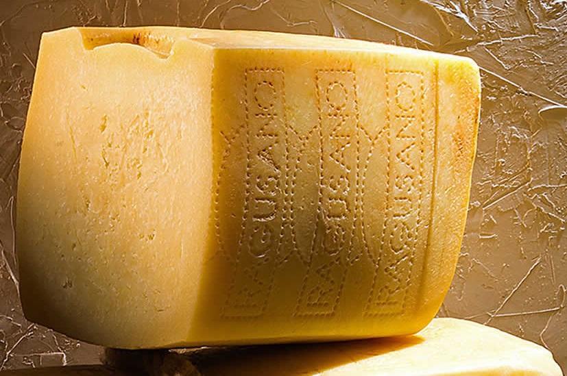 食パンのような形のチーズ
