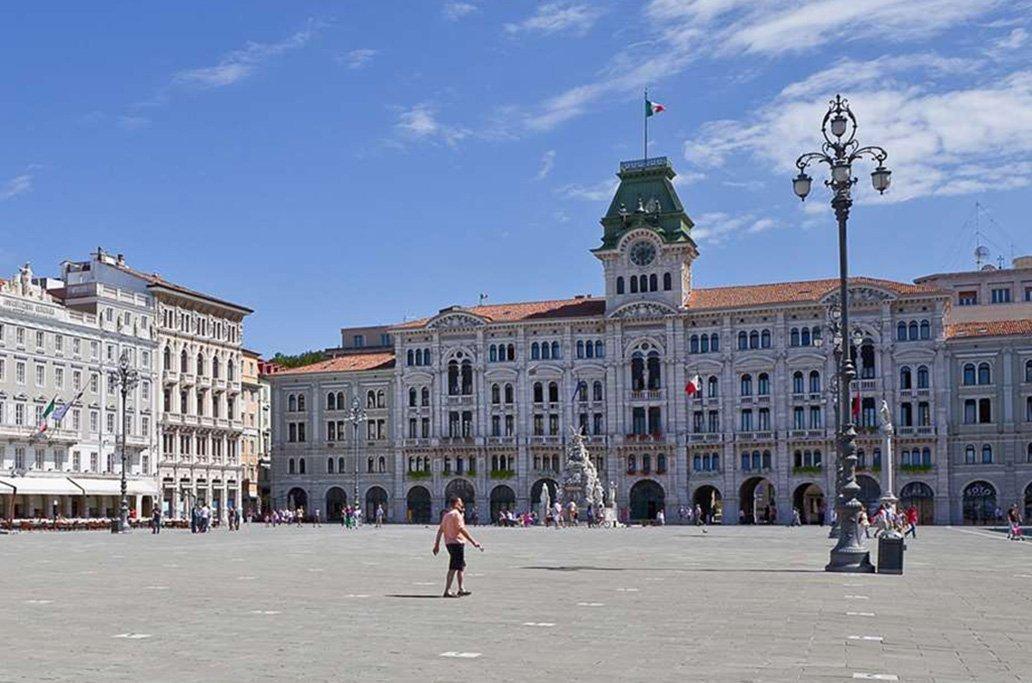 旧オーストリア領の港湾都市