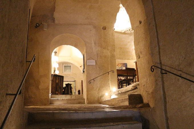 人気の洞窟レストラン