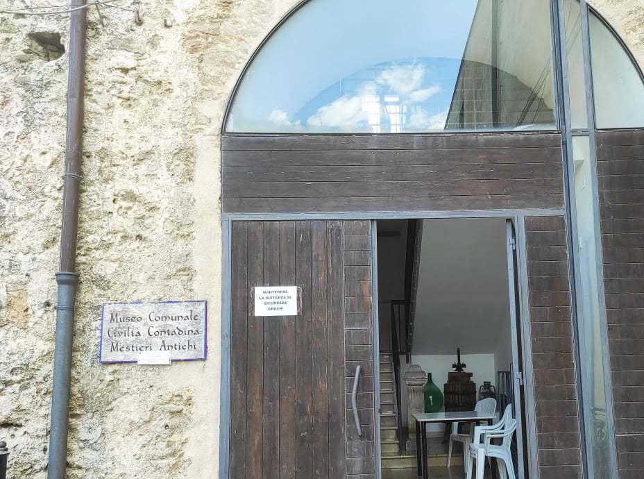 歴史博物館と教会群