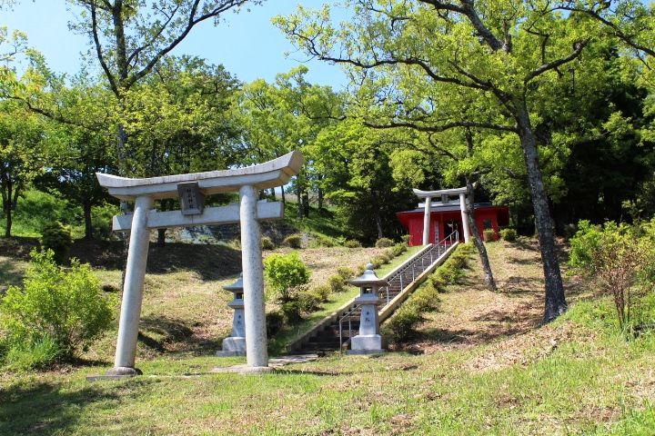 若い女性が多く訪れる?「小萩山稲荷神社」のご利益とは