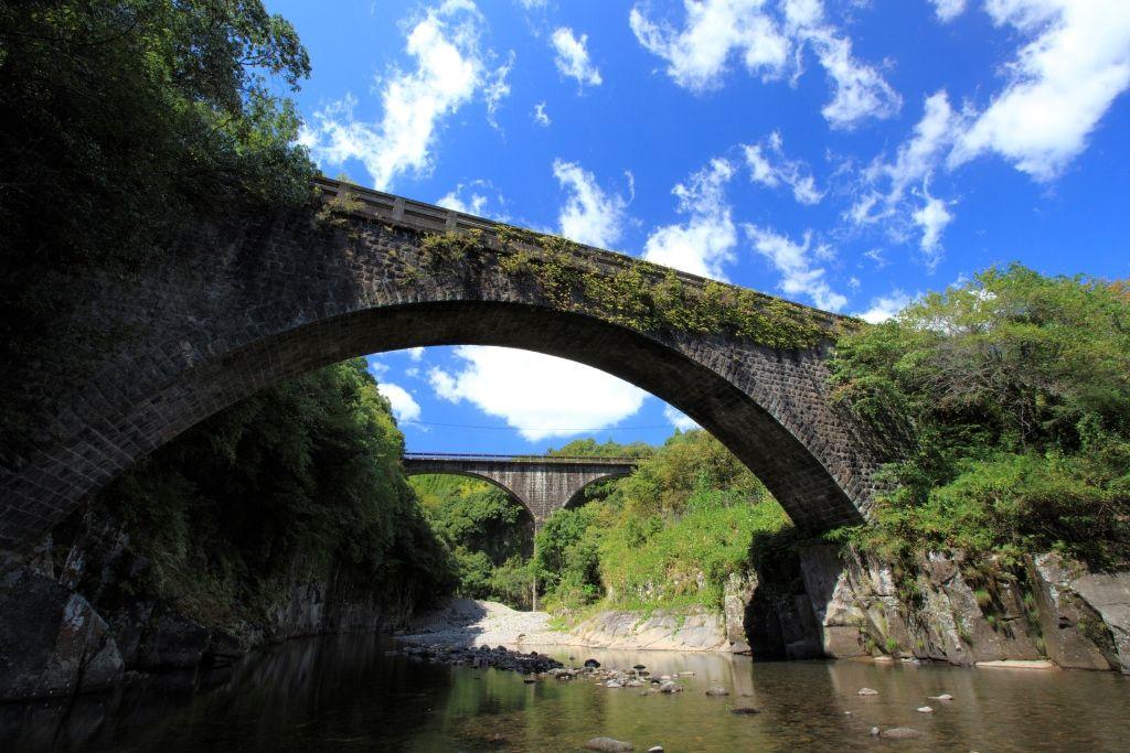 日本一&二位の石橋!大分「轟橋・出会橋」は夏ドライブで