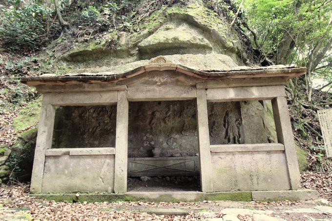 石工の技術とセンスが随所に光る福真磨崖仏