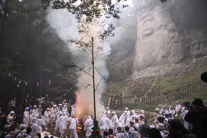 日本最大級「熊野摩崖仏」は多くの謎と人々の願いにあふれた浄域