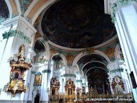 スイスの世界遺産「ザンクト・ガレン修道院」敷地内に建つ大聖堂