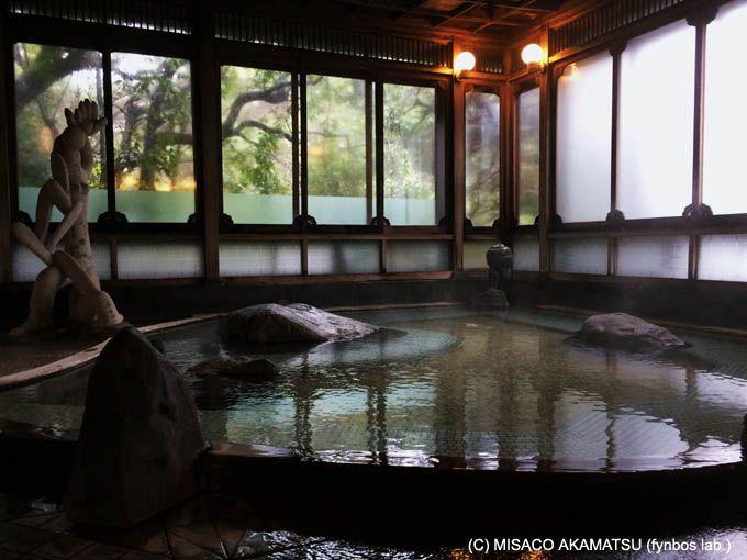 贅沢すぎる空間と湯量を誇る、「大正亭」宿泊者専用の貸切家族風呂