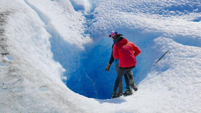 吸い込まれるような青の世界!その深さ100メートル以上!