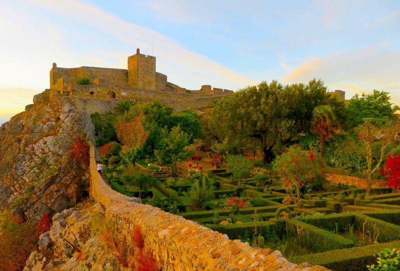 岩山にある秘境の村!ポルトガル「マルヴァオン村」