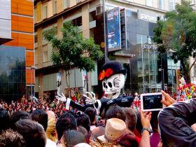 街が黄色一色になる日!メキシコシティ「死者の日」の楽しみ方