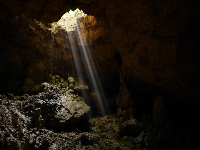 地下洞窟の不思議な世界