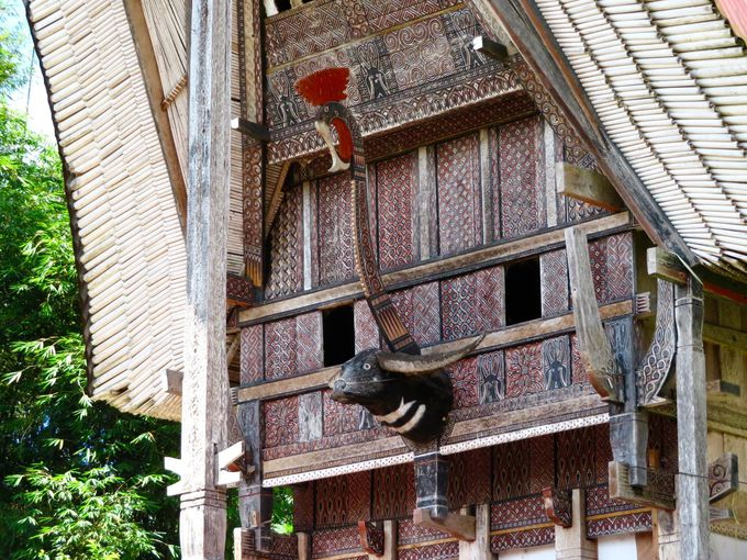 先祖を偲ぶ伝統家屋