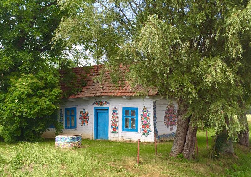 まるで絵本の世界!花柄に包まれた村ポーランド「ザリピエ村」