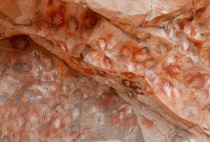 洞窟に描かれた壁画とは?