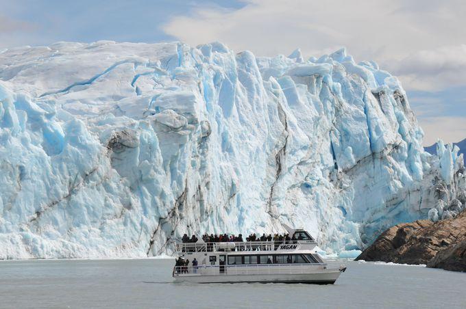 氷河クルーズ遊覧船