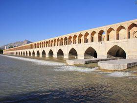 イランの古都イスファハンに栄光のペルシャの残照を見る!