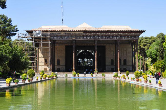40柱宮殿(チェヘル・ソトゥーン宮殿)