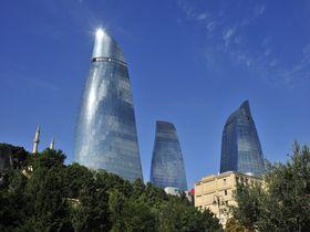 コーカサス最大の町アゼルバイジャンの首都バクーの魅力を探る