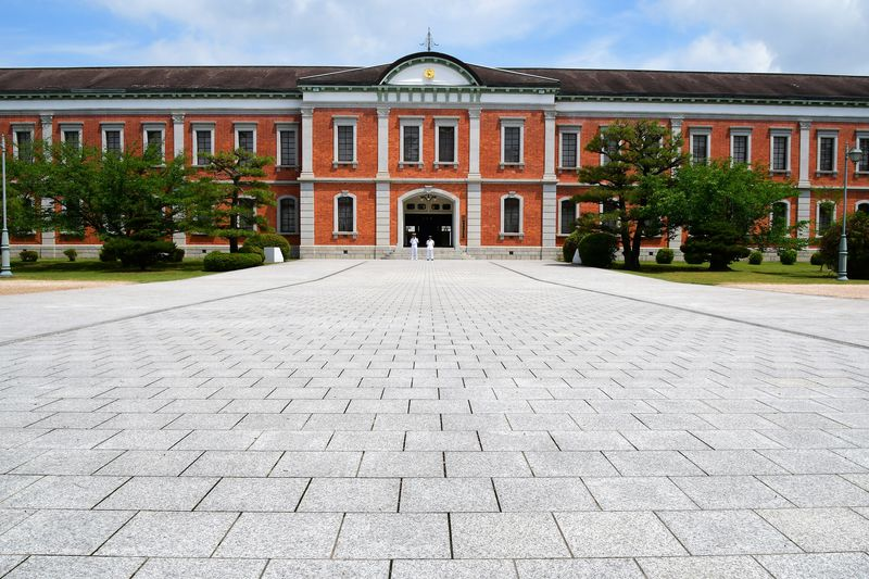 江田島の旧海軍兵学校で歴史を学び、そして海軍カレーを楽しむ!