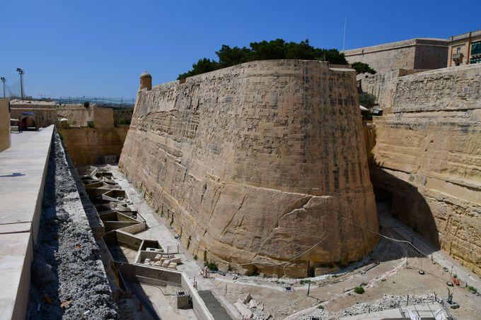 強固な城壁に囲まれた都市バレッタ