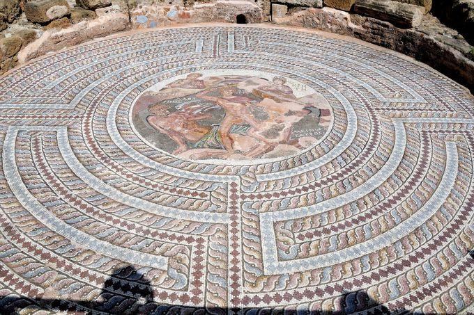 パフォス考古学公園テセウスの館とエオンの館
