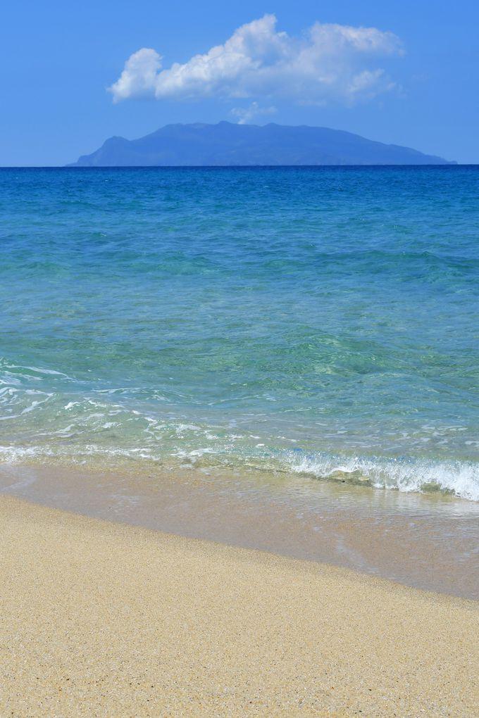 屋久島灯台と永田いなか浜
