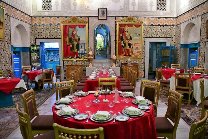 アラブ風レストラン、ダール・エッサラヤ