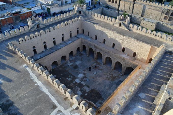 メディナで最も古い建築物リバト