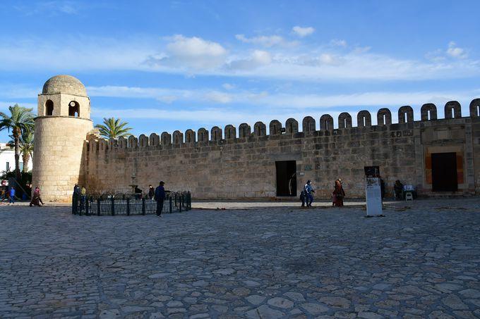 要塞の役割も果たしたグランド・モスク