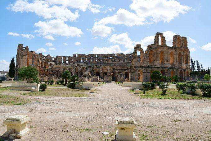 ローマよりも保存状態が良いと言われる円形闘技場