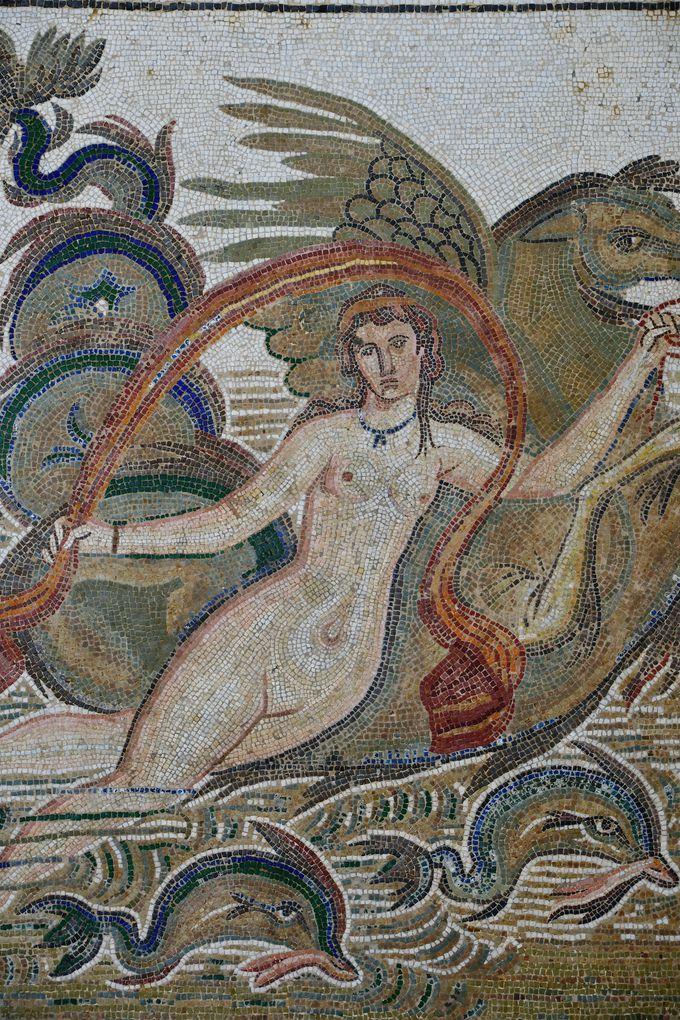 神話に題材をとったモザイク