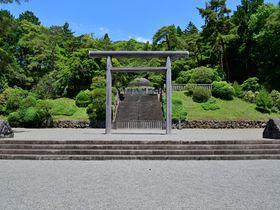 静謐の時が流れる東京「武蔵陵墓地」大正・昭和二代の天皇陵を訪ねる