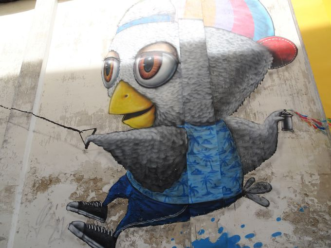 目印は、実演と鳥の壁画?!