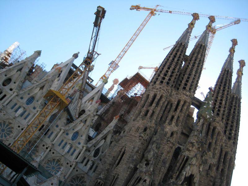 思わず時間を忘れてしまうバルセロナの観光スポット3選