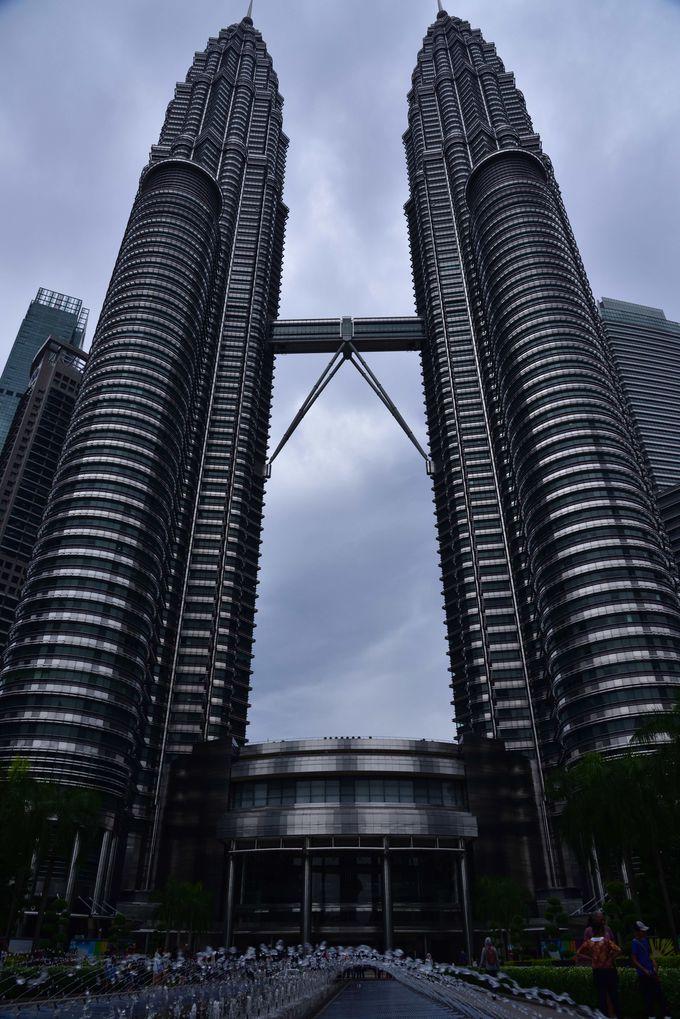 PM3:00 KLの街を一望できる高さ世界一のツインタワー