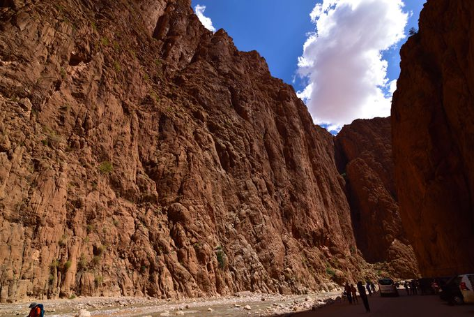 絶壁による絶景「トドラ渓谷」