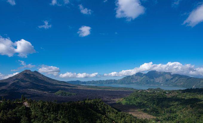 抜けるような空の青さが美しい絶景・キンタマーニ高原