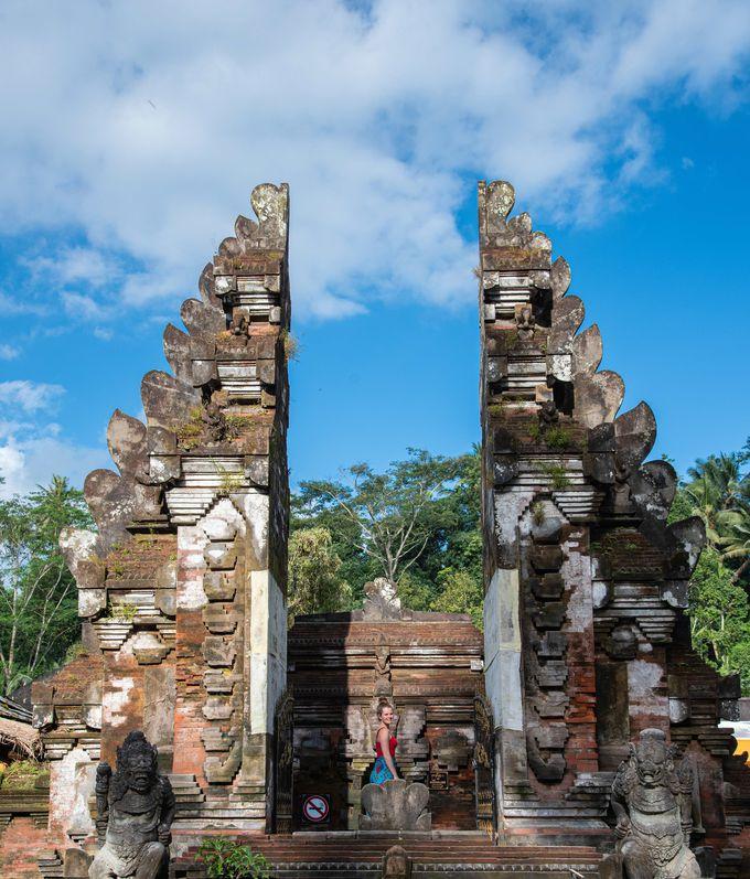 最奥に位置する寺院名の由来となる聖なる泉
