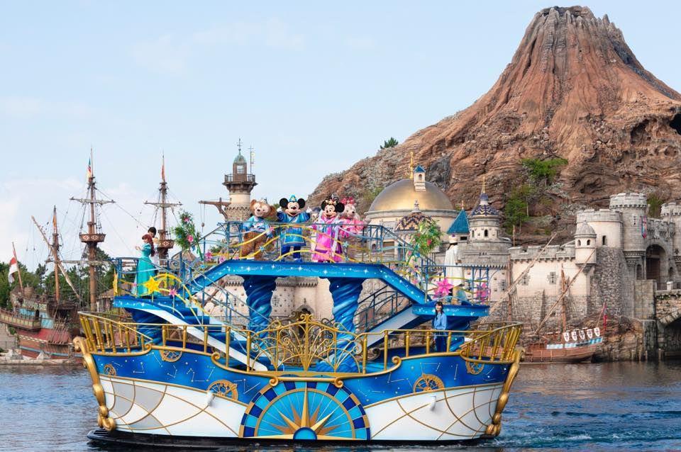 七夕装飾を施した船に乗って登場!東京ディズニーシー「七夕グリーティング」
