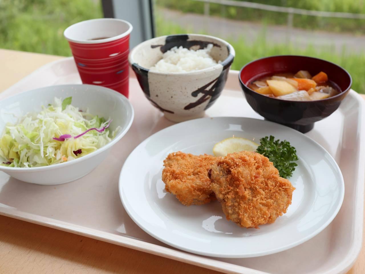小名浜を一望できるレストランで郷土メニューを堪能