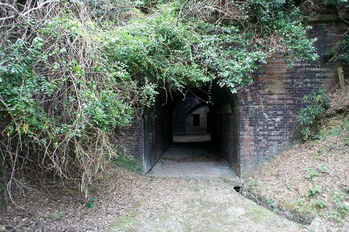 トンネルをくぐればタイムスリップ