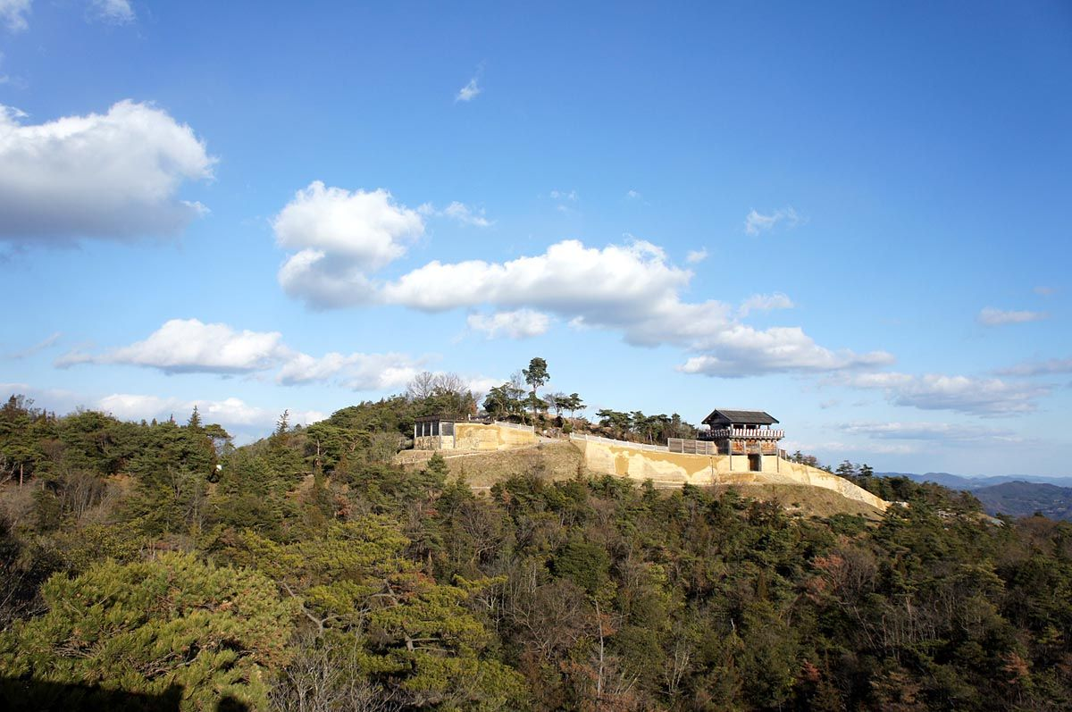 謎多き空中要塞「鬼ノ城」は桃太郎の鬼ヶ島?