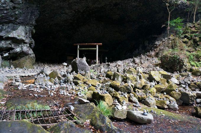 天岩戸神社の天安河原