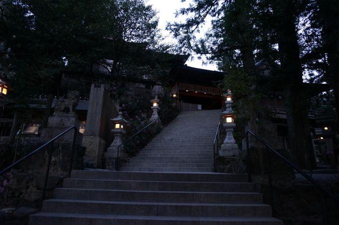 信仰の地に建てられた神聖な神社