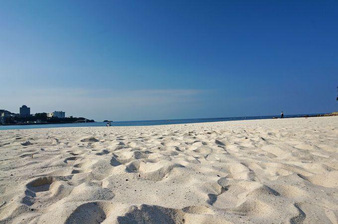 白浜の代表的スポット「白良浜」